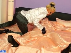 Restrained les euro straponfucked by femdom