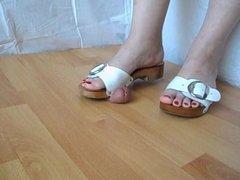 Wood shoe Trampling