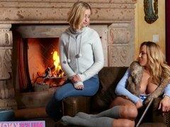 Mature skank loves pleasuring her stepdaughter on the sofa