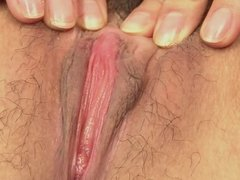 Babe gets her pink pussy fingered before she suck dick