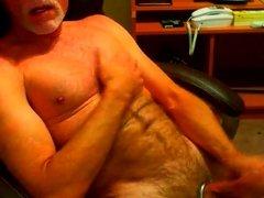 Silver daddy bear cumming on cam