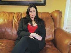 Amateur Mom Kylie masturbates on casting couch