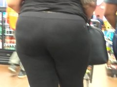 Thick Ass Redbone and Friend (Checkout Line)
