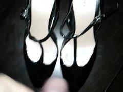 Cumshot on My Mom's High Heels