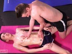 A full body massage between twinks
