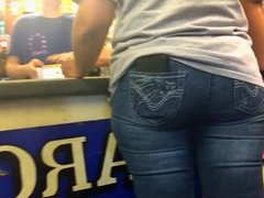PHAT ASS AT THE HARDWARE STORE