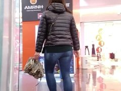 Girl with umbrella candid ass