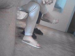 candid friend feet dangling ( gf caught cam )