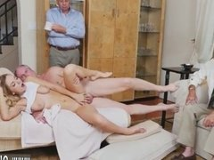 Blonde gets her ass stretched Molly Earns