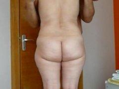 Milfs big asses in hotel room captures friend
