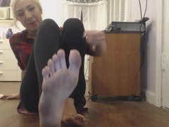 Dirty feet joi