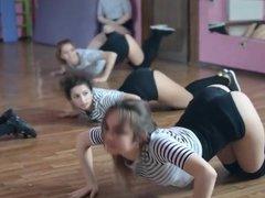 nenas bailando 6