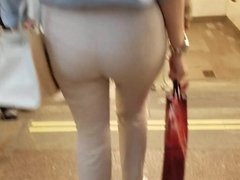 Young woman with big round ass