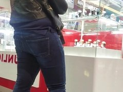 Armenian girl with big ass choose jewelry