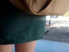 Saia verde e perna branca 2