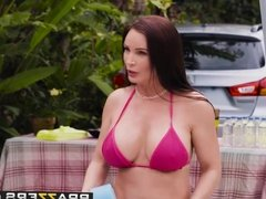 Mommy Got Boobs - Mamas Car Wash scene starring Diamond Foxx