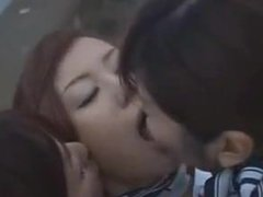 JAPANESE GIRLS KISS 5