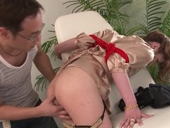 Gorgeous young manicurist gets hardcore fuck at work