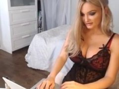 Blonde angel - Who is this?