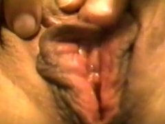 Amateur babe pussy close-up