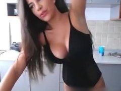 Sexy Big Tits Girl Strips Flashing Boobs on Cams