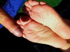 Cum on sunny soles outdoor - Feet cumshot