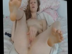 MILF is bored at home - Add her on Snapcht: RubySuce