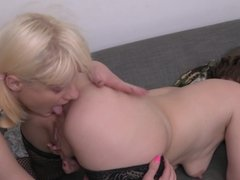 Lesbian sex with mom Nicola and daughter Olesya