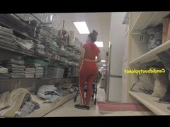 Candid Shopping Beauty - Shopping Booty in Red Outfit! OMG