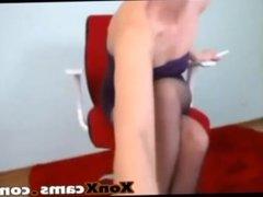 Sexy teen teasing her nice round booty