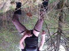 wieder geil wichsen in the Forest