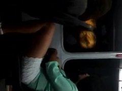 nena sexy en tren