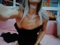Big cock tranny cums on cam
