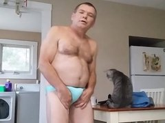 Mike Muters in new panty