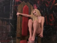 Mistress Aaliyah Love Makes Her Slave Worship Her - Femdom