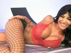 Fernanda red black