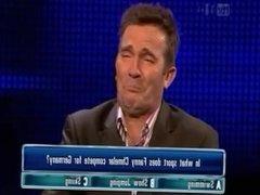 Bradley Walsh chmels some fanny