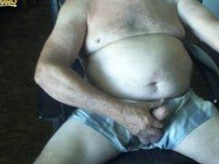 Abuelo 73 años muy hot