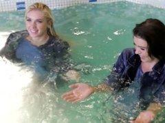 Wetlooker - 2 gorgeous wet girls in jeans