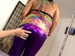 Chubby young latina girl in shiny leggings doing face sitting on older guy