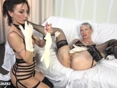 ... big fisting festival and double anal buffet with two MILFs ... IV027