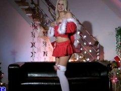 Glamour lingerie gal masturbates in stockings