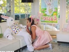 Niece Avi Love Fucked By Uncle Dressed Up As Easter Bunny