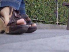 pied de milf d'Orléans ,un beau jeu d'orteils ,manque l'odeur