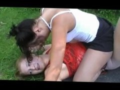 Catfight : mature vs young