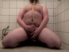 Dirty boy pissing all over himself in request of Femdom