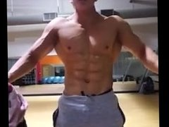 Asian bodybuilder shows his body!!