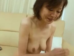 Japanese granny still has nice body to be fucked