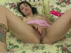Yanks Brunette Ms. Frankinberry Toying Her Snatch