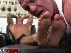 Carter's pics of gays with bare feet and hairy legs fetish male sexy